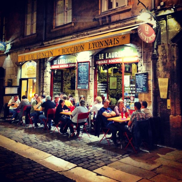 At night, the bouchons are full of happy diners.